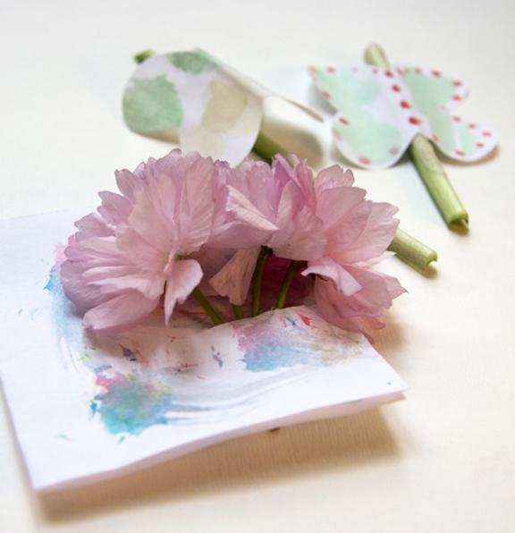 MY LITTLE HEN FRESH FLOWER CARD